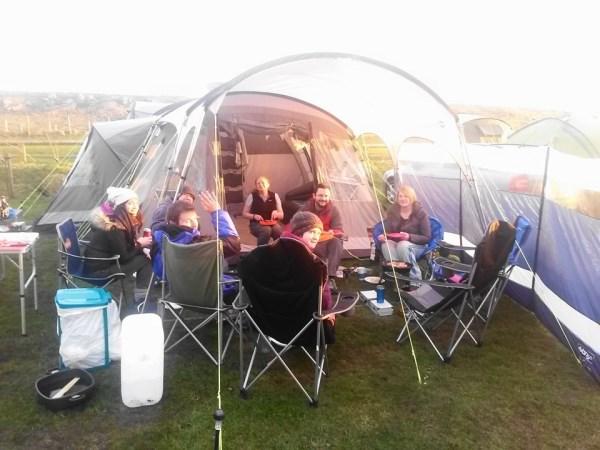 Camping April 1